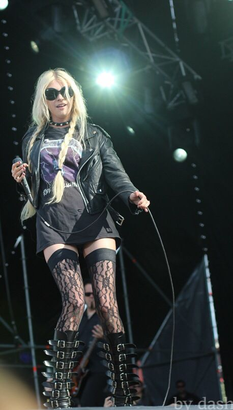 Pin by Hilal on Taylor Momsen | Taylor momsen, The pretty reckless, Style