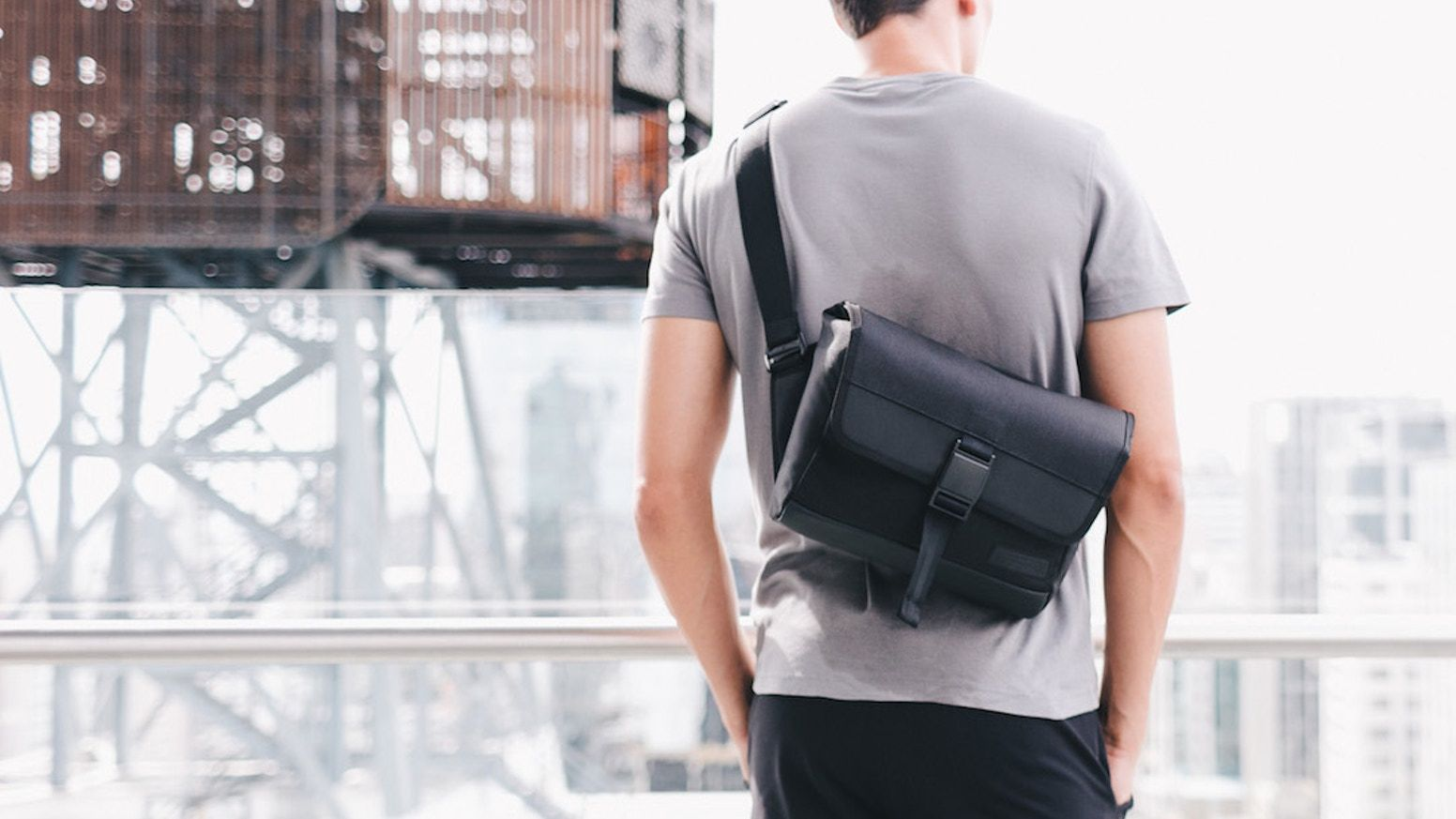 Farer Design Is Raising Funds For Dayfarer Sling For The One Who Packs Light And Moves Quick On Kickstarter The Pe Classic Briefcase Packing Light Sling Bag