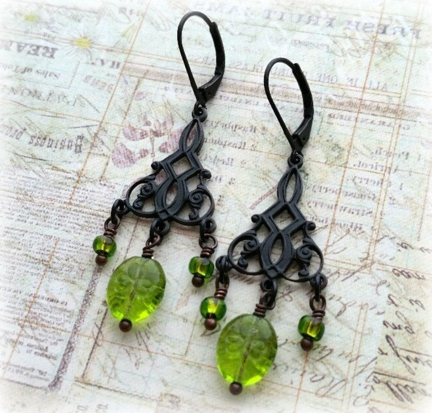 New to SeekingEmber on Etsy: Irish Jewelry St Patrick's Day Earrings Irish Earrings Clover Earrings Green Earrings Celtic Earrings Shamrock Earrings Shamrocks (22.00 USD)