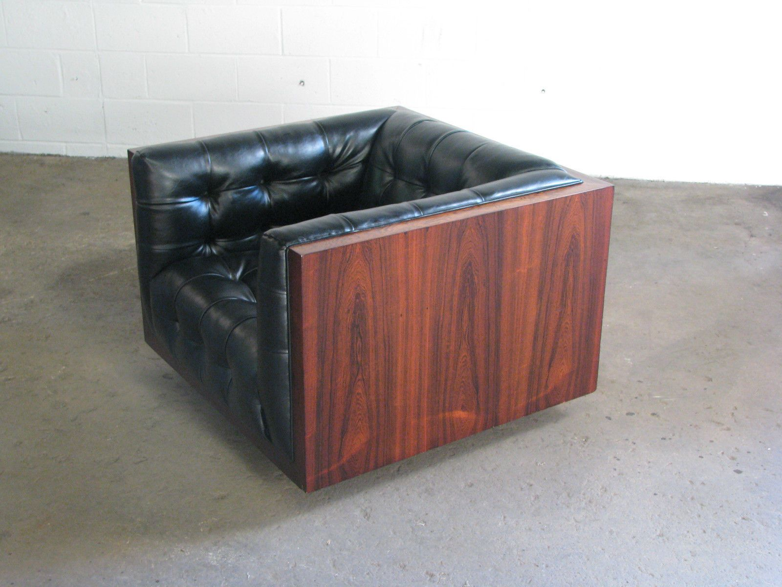 Amazing Mid Century Modern Rosewood Wide Milo Baughman Cube Club