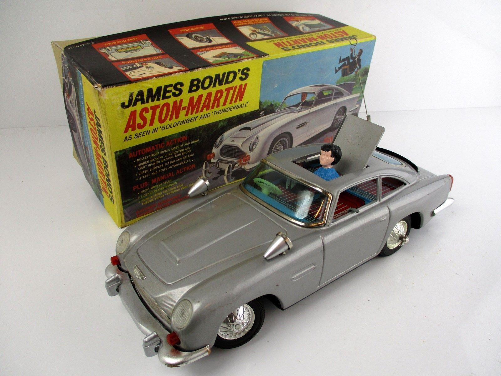 Corgi Toys James Bond Aston Martin DB5 1966 261 Poster Leaflet Advert Sign