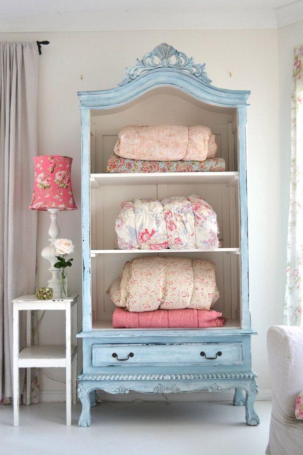 decorar con muebles antiguos-Armario pintado-antique wardrobe ...