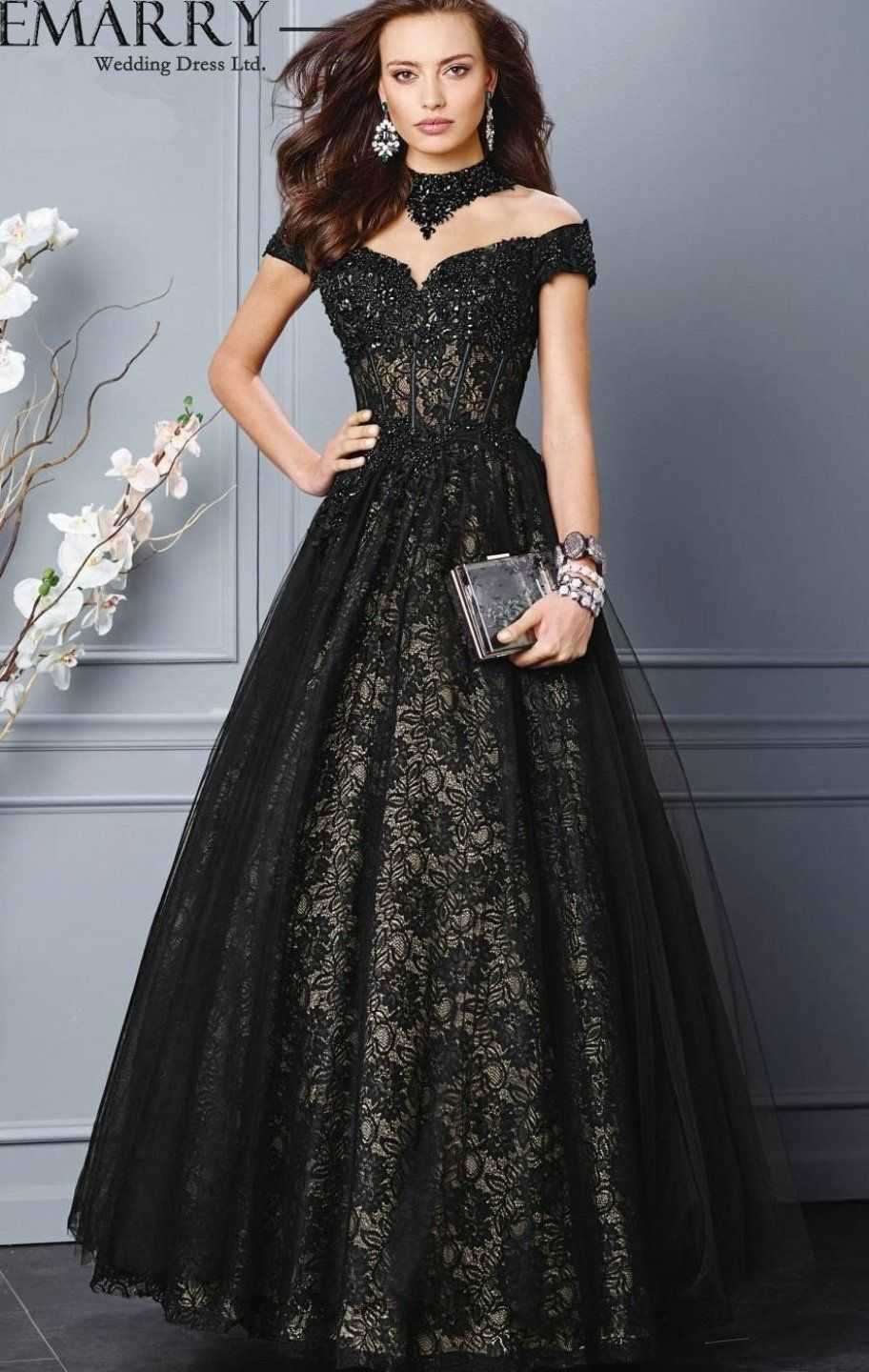A 136 On Sale Ball Gown Black Lace Evening Gowns 2015 Eveningdresses Casualeveningdress Eveningdressesfashion In 2020 Black Ball Gown Evening Dresses Gowns
