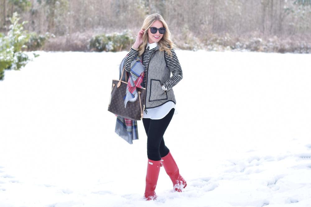 Snow Day with Hunter Boots  Cort In Session#fashionshoot #fashioninsta #fashiontrend #fashionworld #weddingband #weddingdiaries #weddingcard #weddingguest #weddingjakarta #nailsofig #nailblogger #housedesign #nailsdid