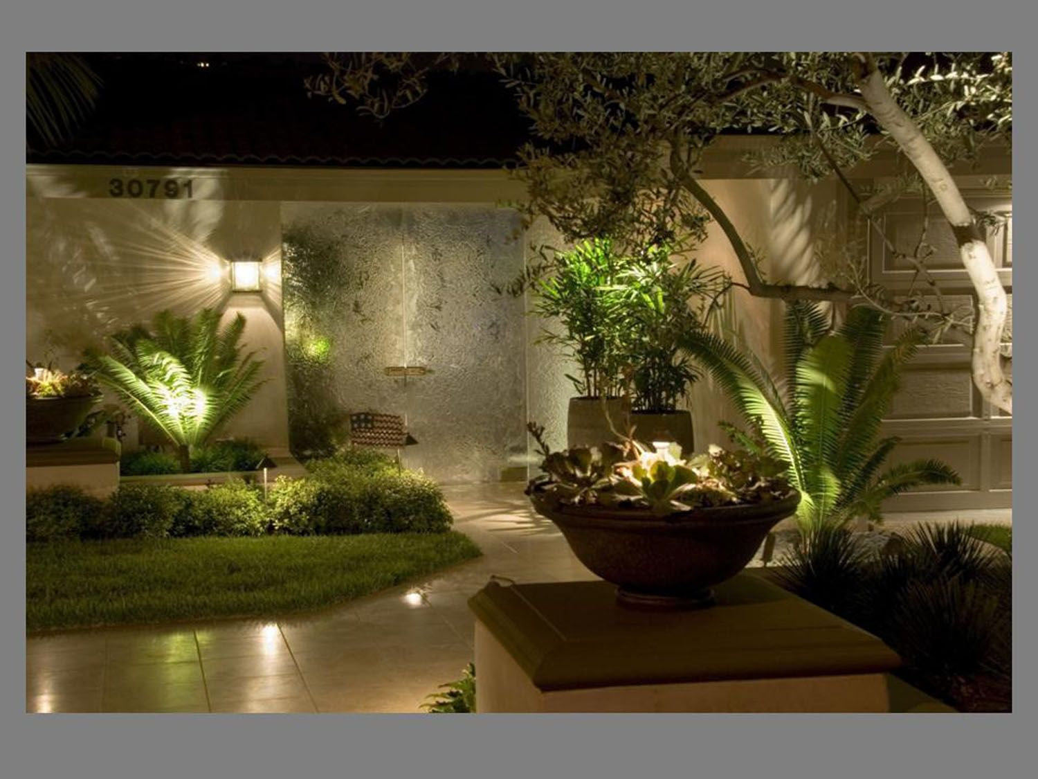 LED Landscape Lighting Design Want to give your garden a festive ...