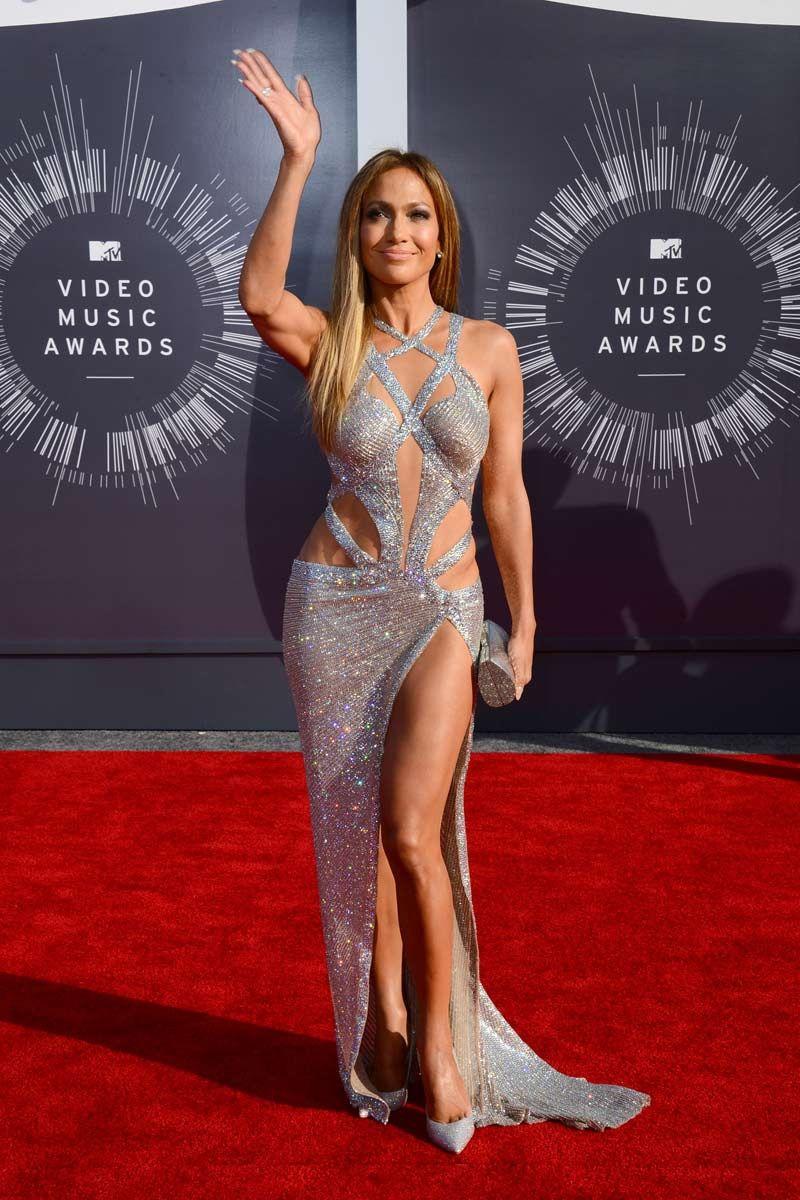 Jennifer López Jennifer López Vistió Un Un Vestido Plateado