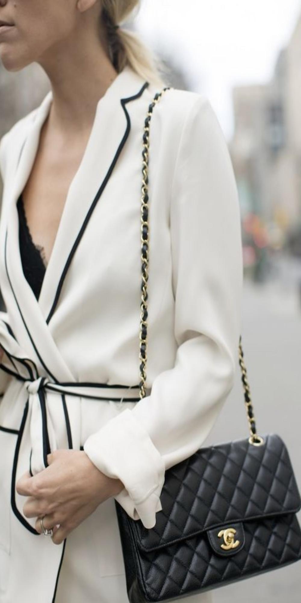 Classic Flap Bag Chanel  6a0da2e6dd
