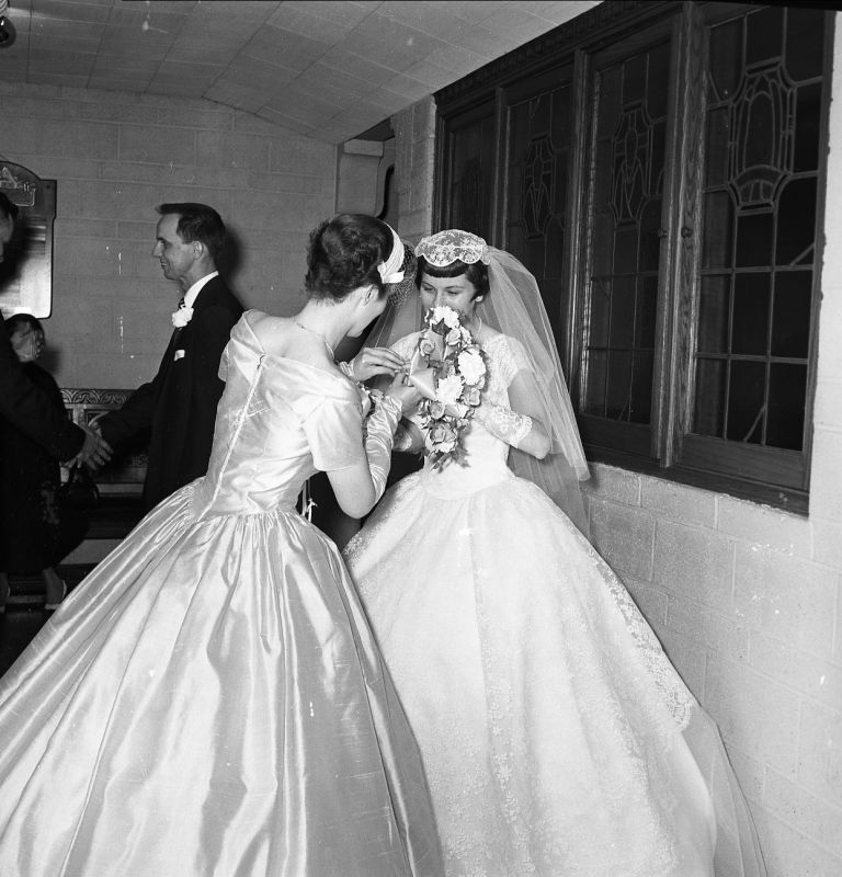 A Gorgeous 1950s Wedding Dress And Bridesmaid Gown! I Love
