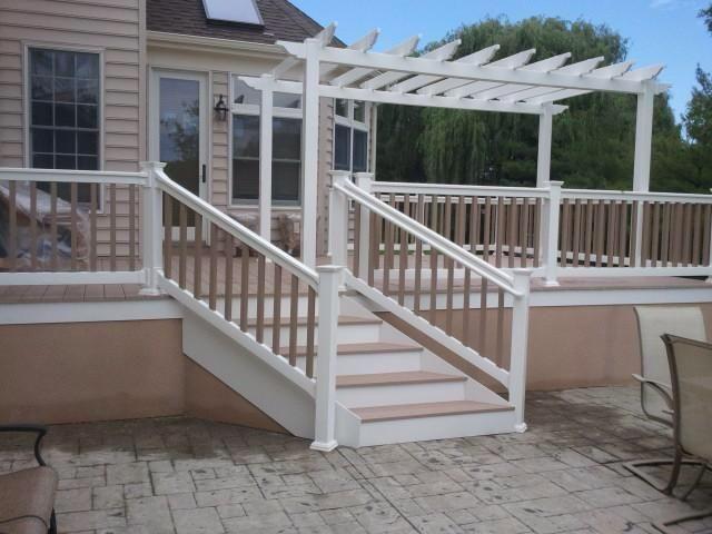 Love the two-tone railings & the pergola allvinylfence.com ...