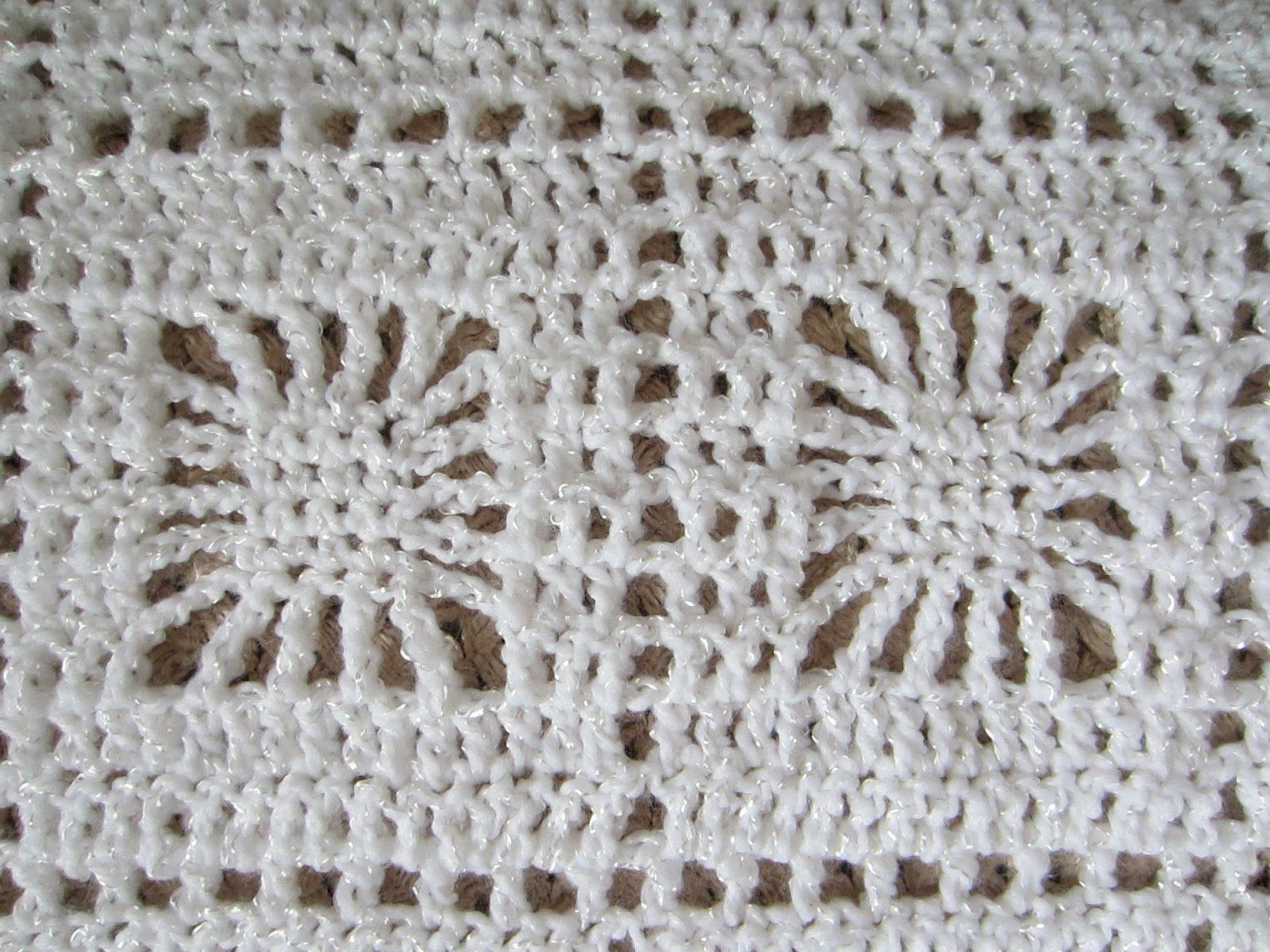 Spider Web Baby Blanket Pattern | It is easy to crochet and works up ...