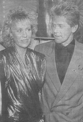 But at the same charity event, Agnetha met Peter Cetera. Agnetha was a fan of Peter and he was a fan of ABBA. So after the show they had dinner and that's when they began talking about Peter maybe producing an album for Agnetha.