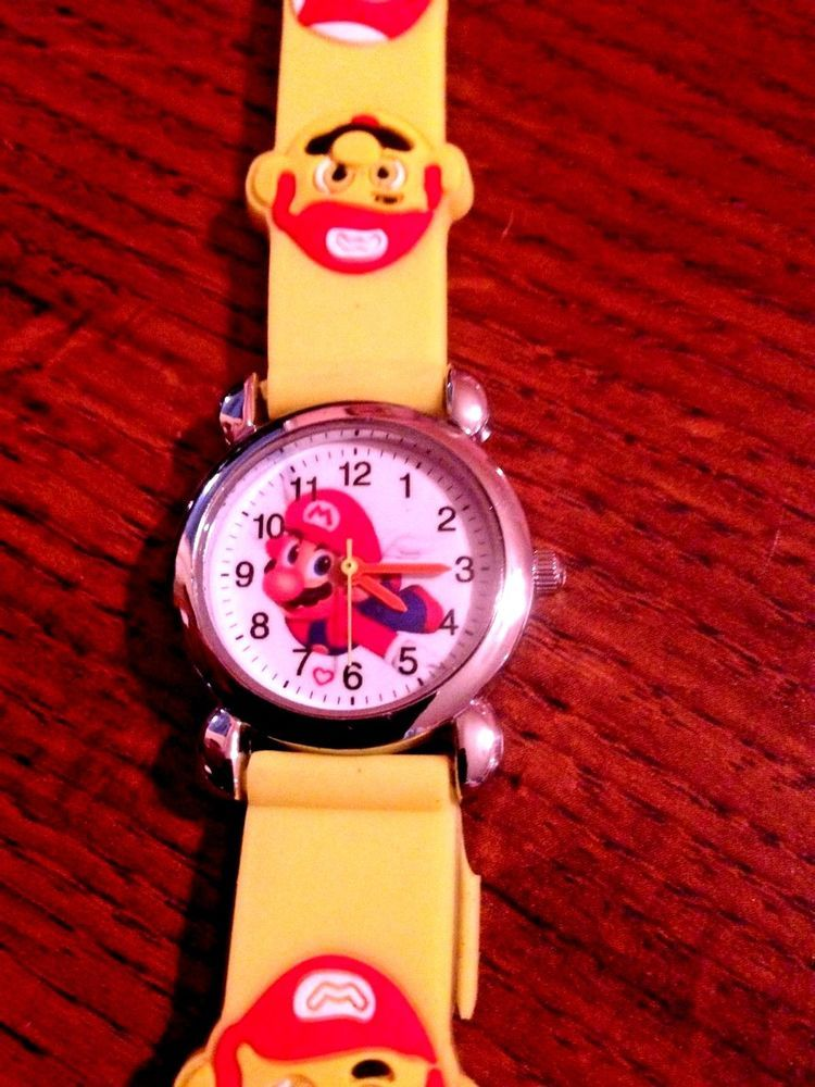 NEW NINTENDO SUPER MARIO BROTHERS CHILDREN'S Yellow SILICONE WRISTWATCH…