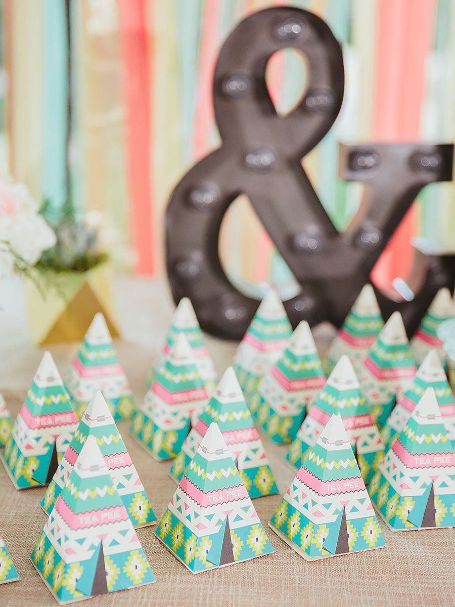 827e623395d 10 Year-Round Wedding Favors Your Guests Will Love