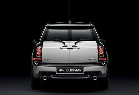The Clubman S Split Rear Barn Doors Add A Dash Of Style And A Bootload Of Utilitarianism Search For Minis At Www Carsquare Com Mini Clubman Clubman Mini Usa