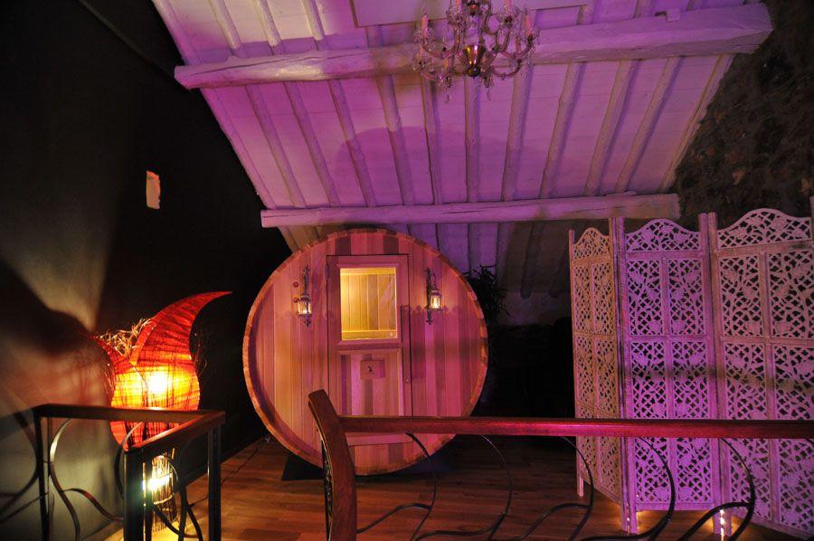 Chambre Avec Sauna Et Jacuzzi Le Nirvana Jacuzzi Idee Week End Suite Avec Jacuzzi