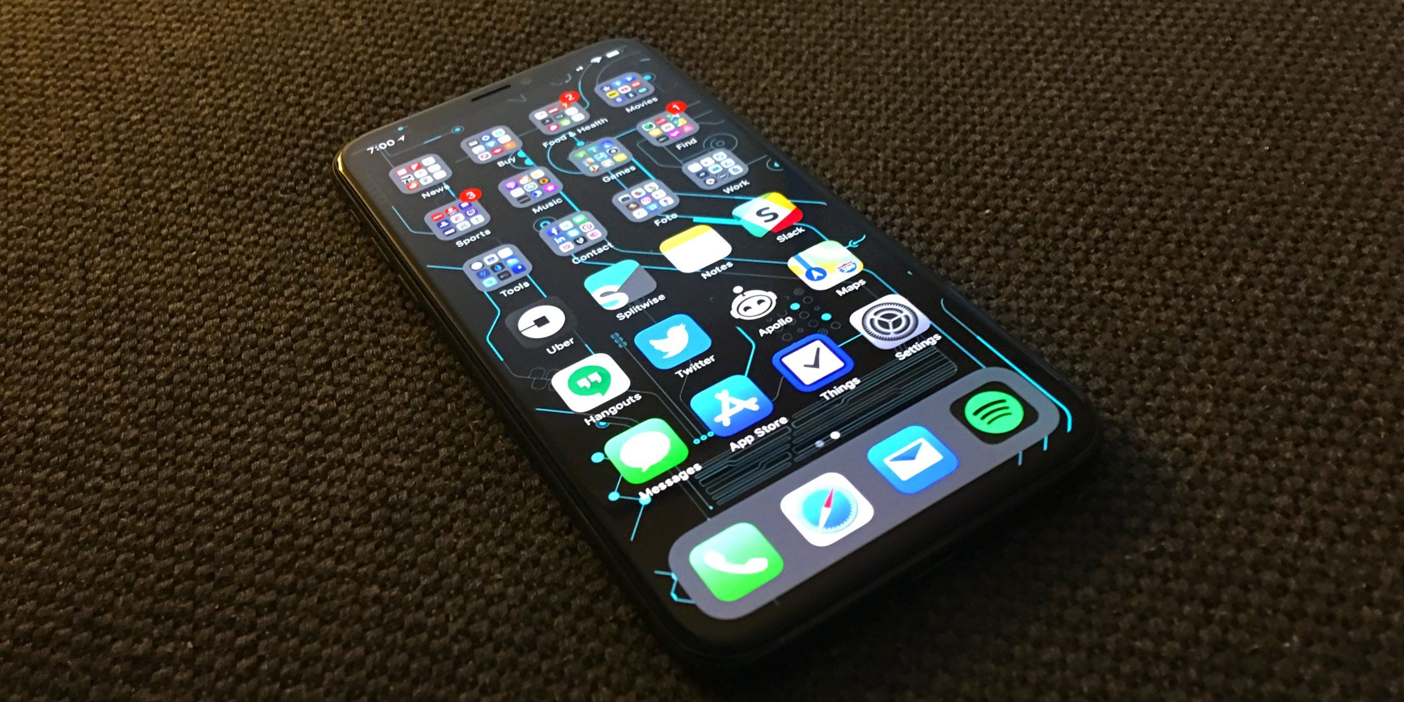 I keep over 200 apps on my iPhone — here's the system I