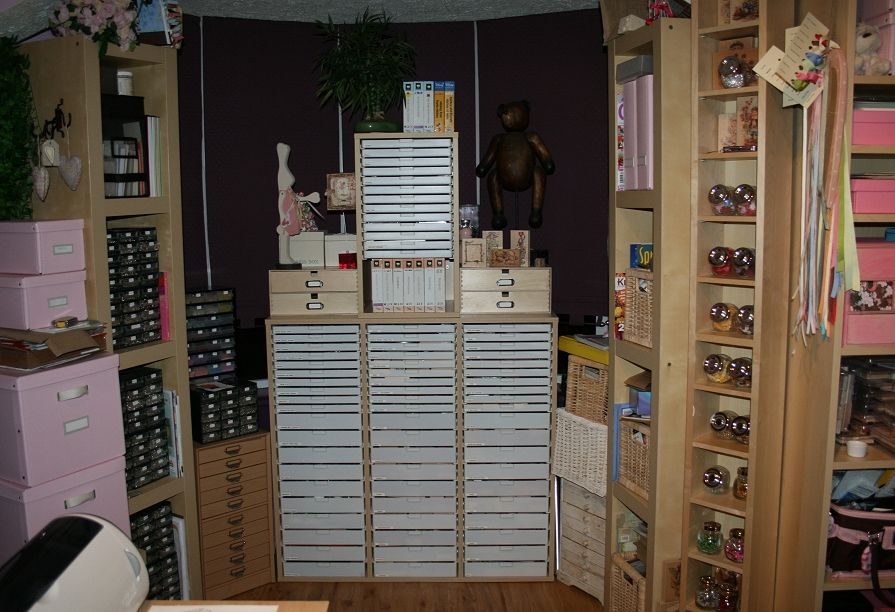 cabinets for beads storage | ... st& storage [in white drawers] and bead storage in other cabinets & cabinets for beads storage | ... stamp storage [in white drawers ...