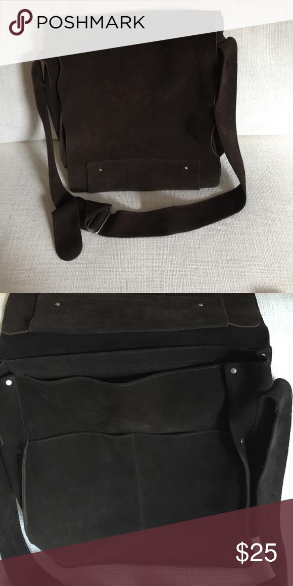 Brown suede messenger bag Men s or Women s brown messenger bag, 2 pockets  under flap, adjustable strap Banana Republic Bags Crossbody Bags ccf83674da