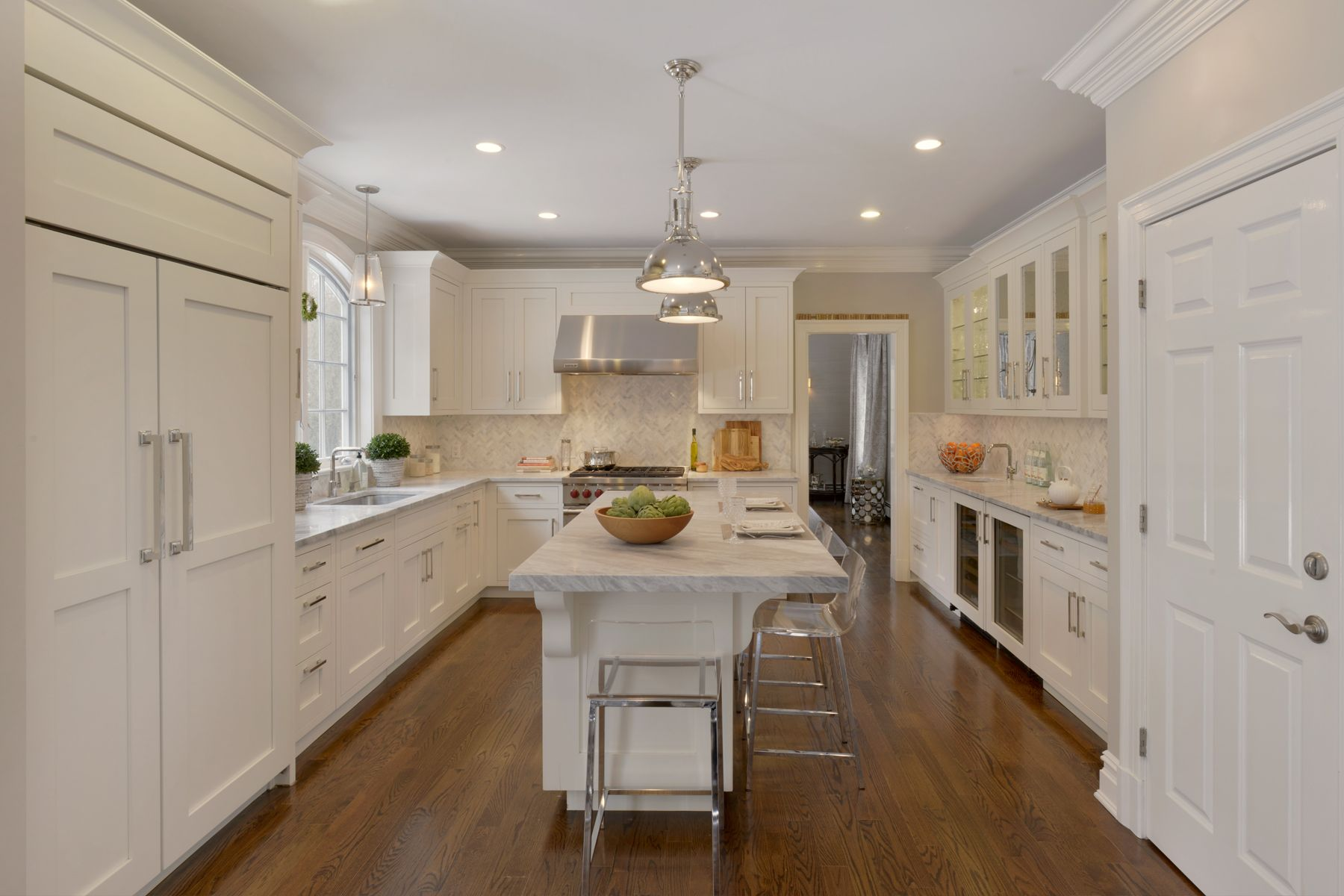 This kitchen features Bilotta Collection Cabinetry in a ...