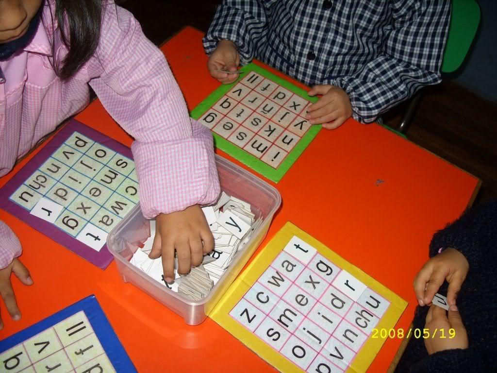Letras del alfabeto para buscar y poner sobre un tablero for Actividades para jardin