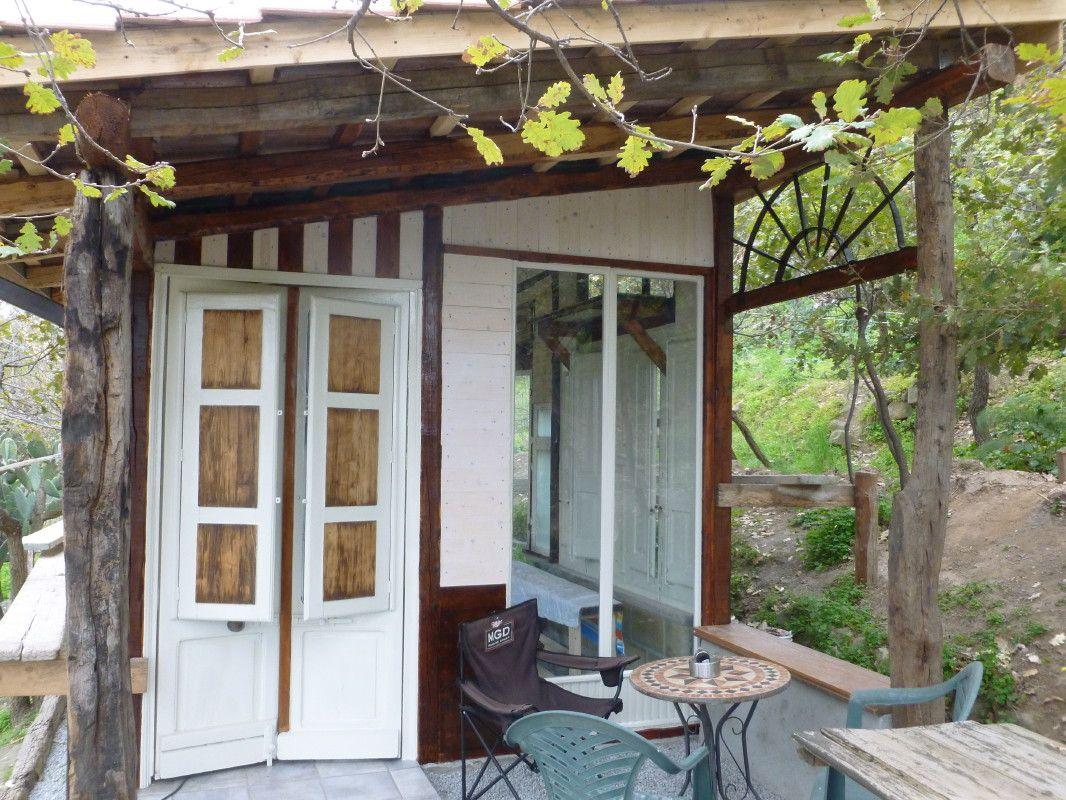 Ferienhaus innenarchitektur der eingangsbereich zum gartenhaus  gartenhausbau in sizilien
