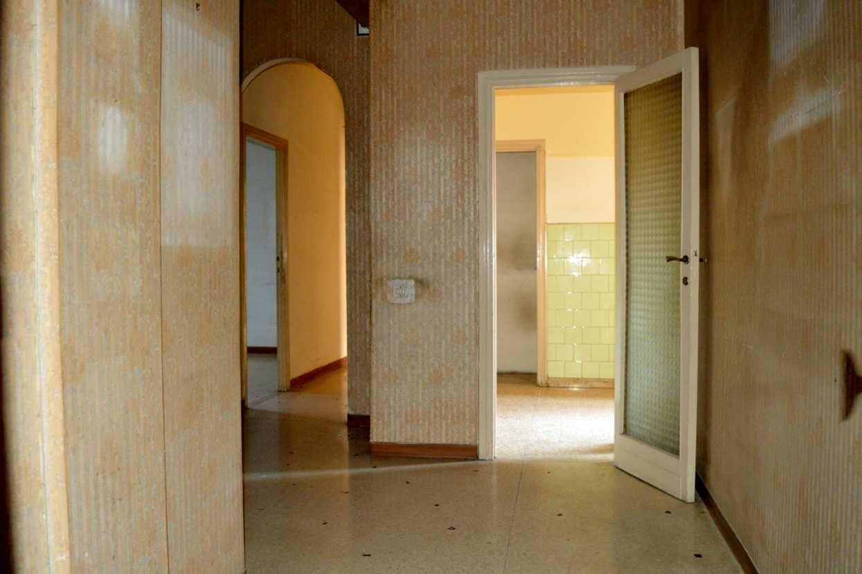 Mq Bagno ~ Terni appartamento con terrazzo di mq cucina sala due