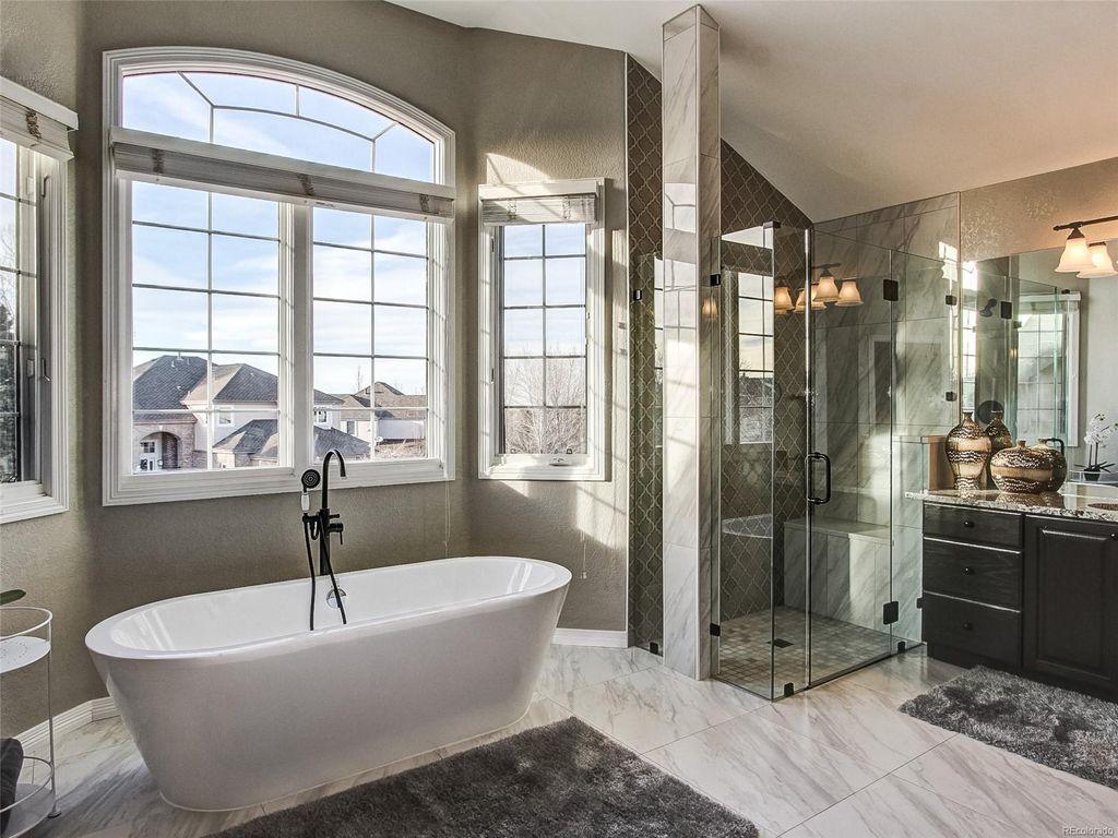 Neighbor S Bath Same As Ours Home And Family Master Bathroom