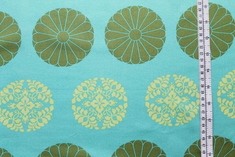 wunderschöner Blumen/Ornamentdruck mit großen Punkten von AMY BUTLER/ USA- aus der CAMEO-Kollektion ;100% Baumwolle....  Ideal für Quilts, Kissen, Pat