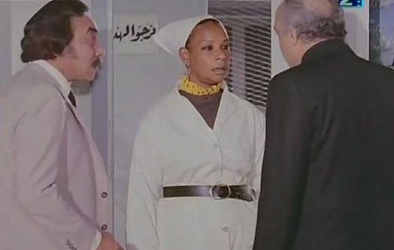 ايزة عبد الجواد صنفت فايزة ضمن أشهر كومبارسات السينما المصرية ولعبت دائما دور السجانة والسجينة والمرأة ذات القوة المفرطة Chef Jackets Old Pictures Nun Dress