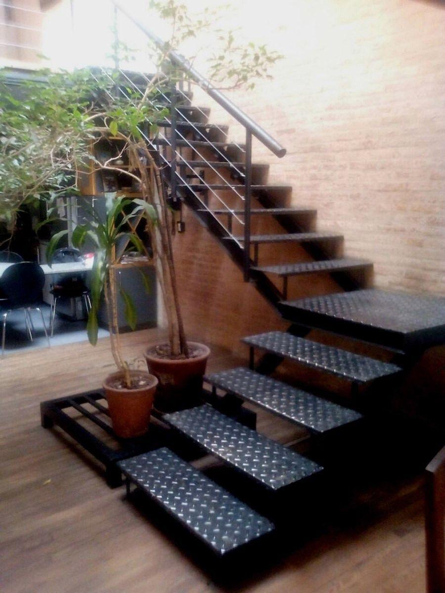 Escaleras metalicas para exterior o interior ideas para casa for Escaleras exteriores para casas de dos pisos