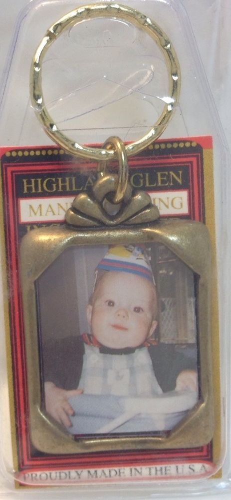Brand New U.S Made Metal Keychain PICTURE FRAME ~ Porte-Cle Neuf CADRE A PHOTO