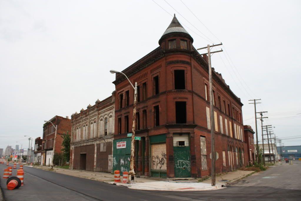DETROIT   Development & Construction: Motown Lowdown - Page
