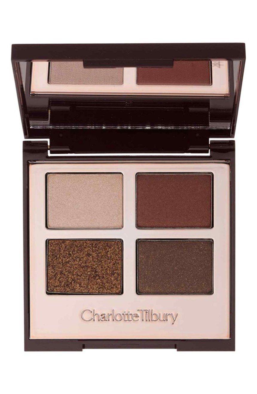 Creating effortless looks with this mesmerizing Charlotte Tilbury eyeshadow palette.