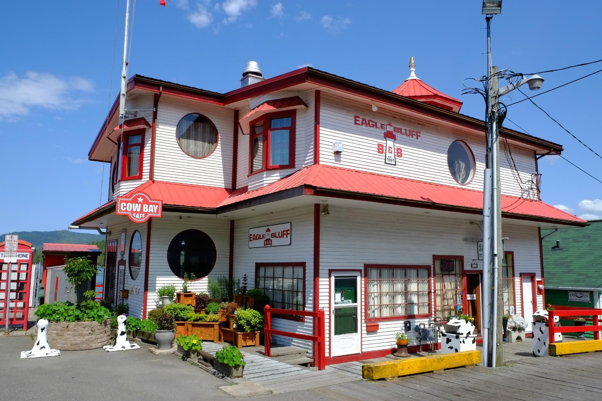 Cow Bay Cafe Restaurant, House styles, Cafe