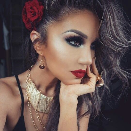 Dark Smokey Eye With Red Lips Mexican Hairstyles Makeup Looks