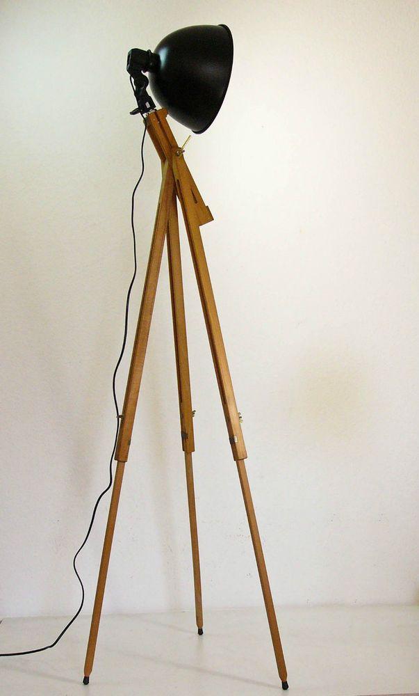 tripod stehlampe scheinwerfer stehleuchte dreibein holz stativ lampe retro 60er in antiquit ten. Black Bedroom Furniture Sets. Home Design Ideas