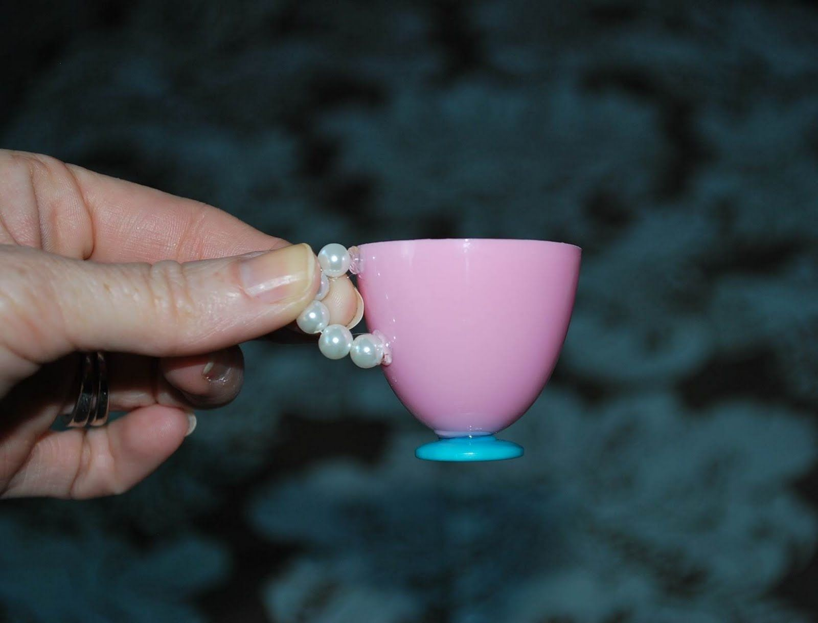 The Moody Fashionista: Plastic Egg Tea Cups