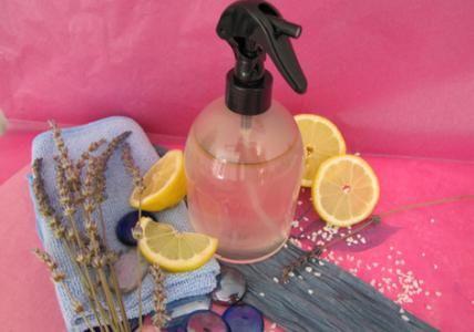 spray nettoyant anti calcaire pour salle de bain. Black Bedroom Furniture Sets. Home Design Ideas