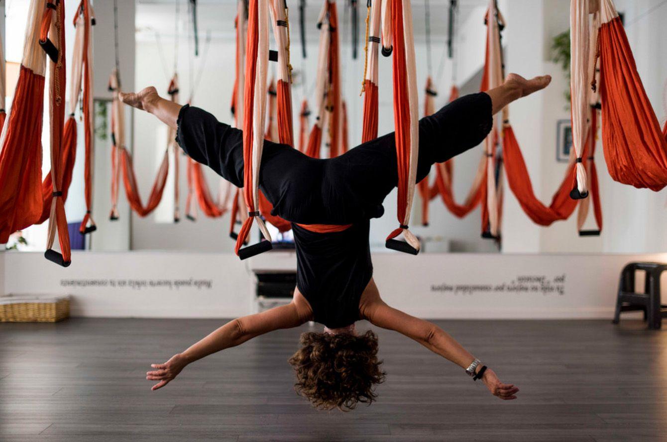 Aerial Yoga Around World With Aeroyoga Airyoga Aeroyoga Swing Columpio Trapeze Gravity Teacher Training Classes Stud Aerial Yoga Yoga Teacher Training Air Yoga