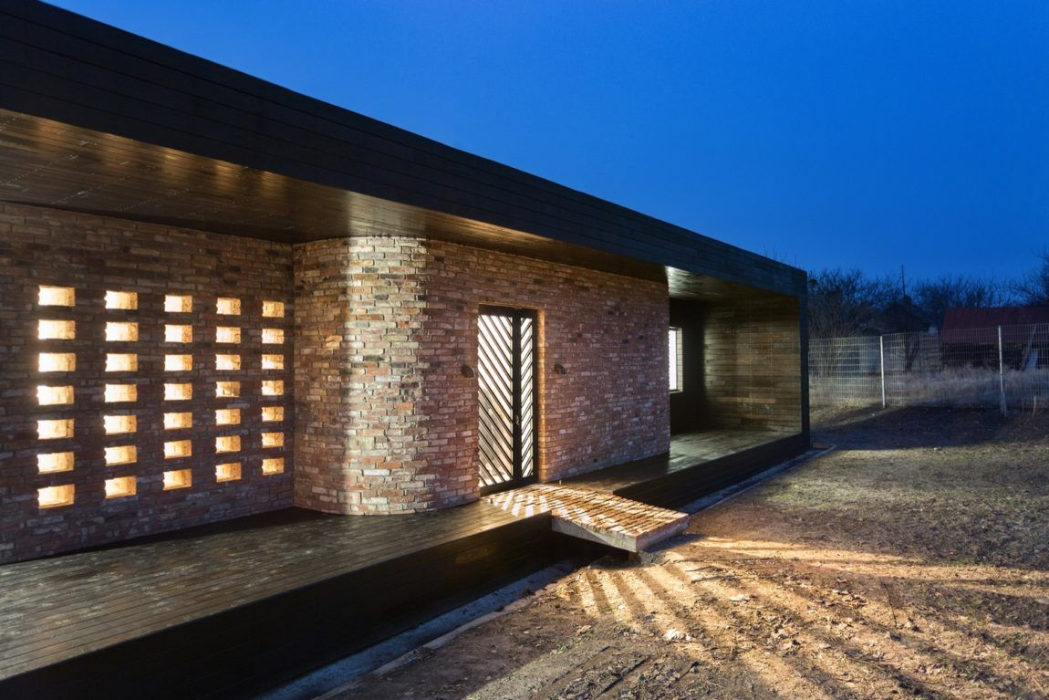 SBM Studio Designs a Peaceful Home for the Weekends in Kharkov ...