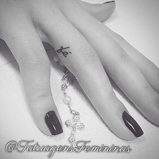Fé / Faith  Tatuador/Tattoo artist: @kadutattoo  Inspiração ↭ Inspiration ↭  #tattoo #tatuagem #inspiration #tattooed #tattoogirl #tattooart #fe #faith #TatuagensFemininas