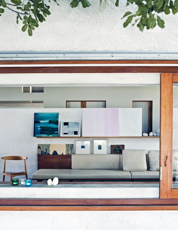 Couleurs : menuiseries / intérieur. The Brisbane Home of Geraldine Cleary | Architects: Donovan Hill