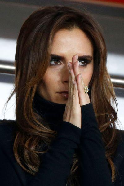 EN IMAGES. Coiffures Victoria Beckham 40 ans et quelques