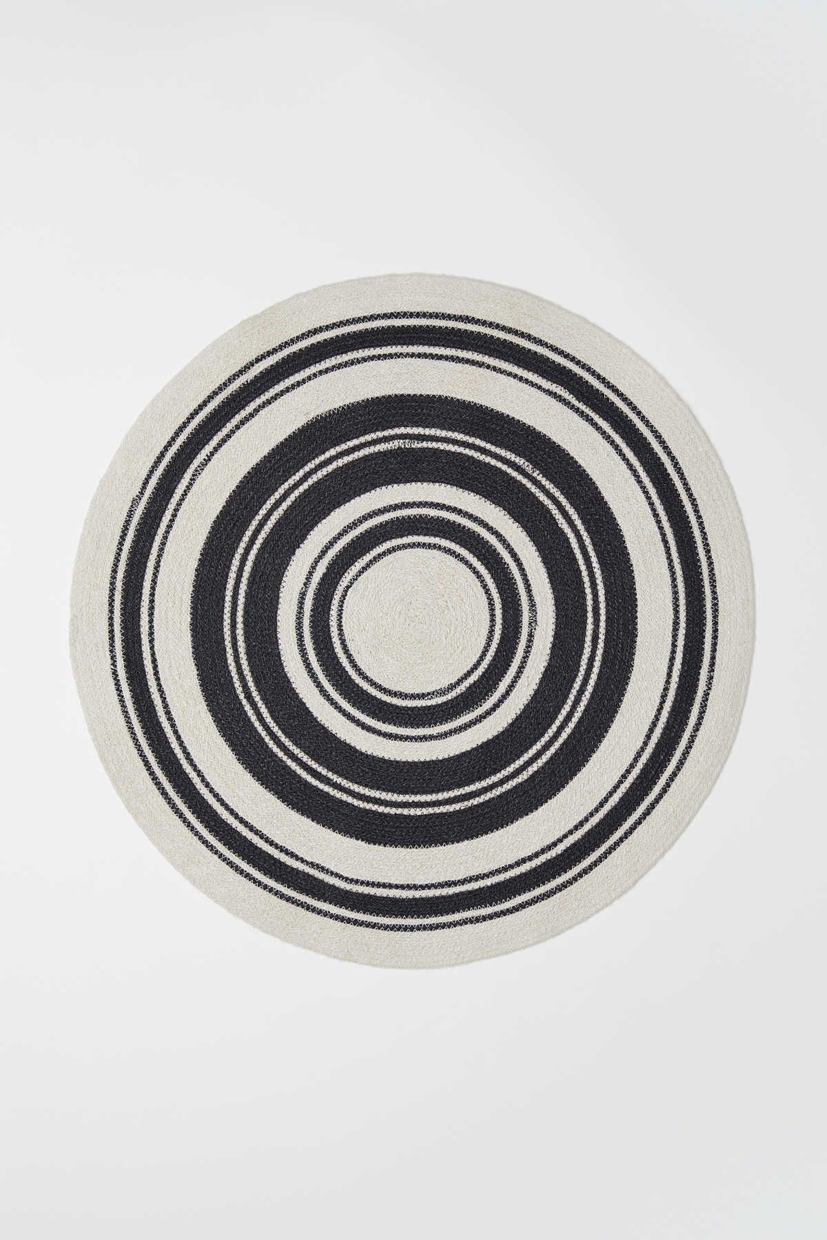 Natural White Black Round Bath Mat In Jute With Contrasting Seams Non Slip Protection At Back Diameter 27 1 2 In Badematte Jute Badematten