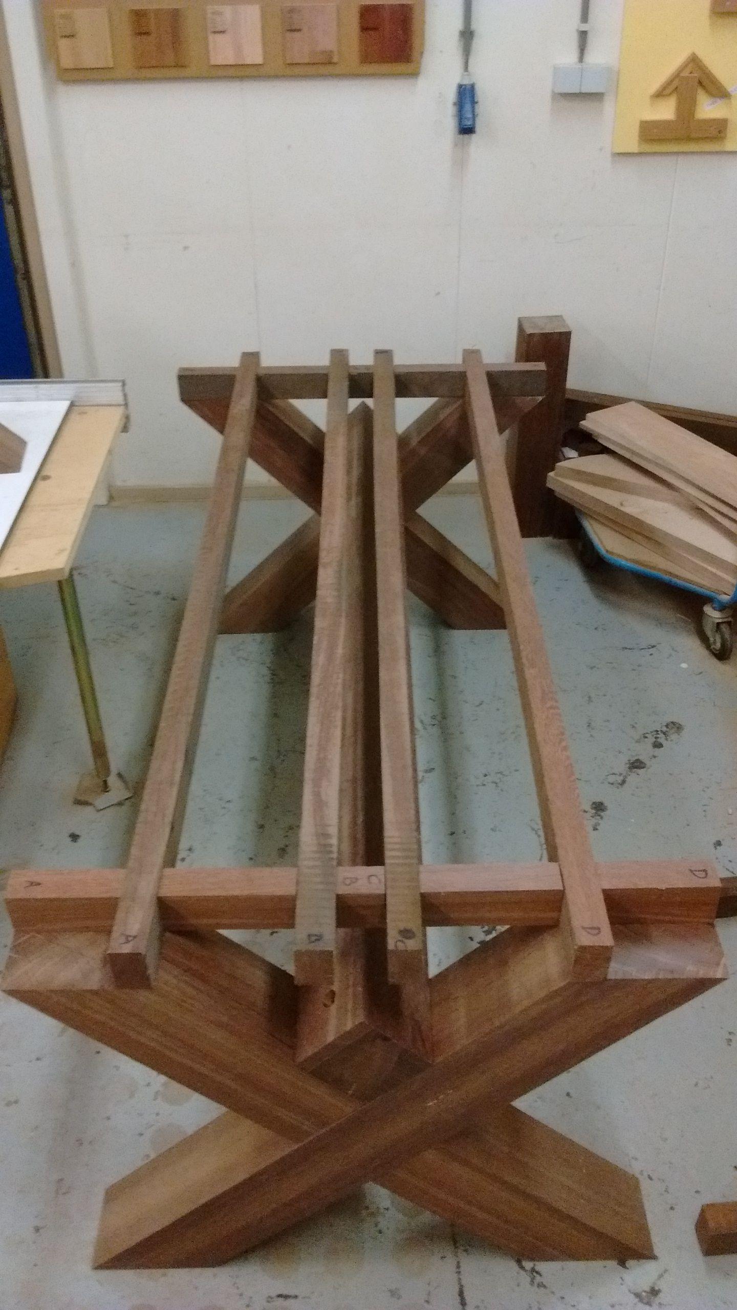 Stap 6 Draag Constructie Voor Het Bovenblad En Gaten Voor De