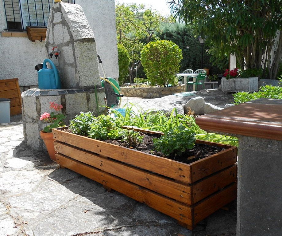 Jardineras de palets buscar con google maceteros y for Maceteros verticales con palets