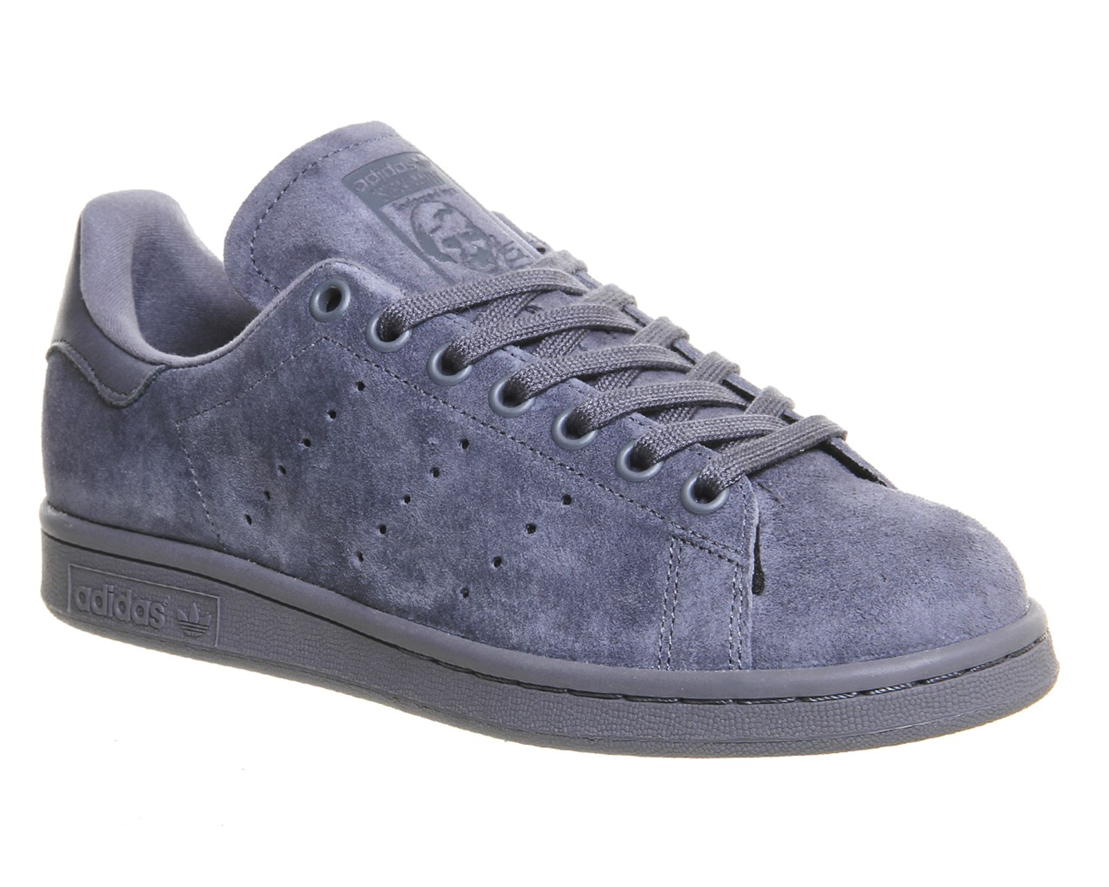 considering all i wear is all black the colour of these suede Adidas Stan  Smiths are