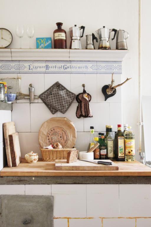 Einrichtungsbeispiel Altbauküche offene Ablage, Arbeitsplatte aus - arbeitsplatte holz küche