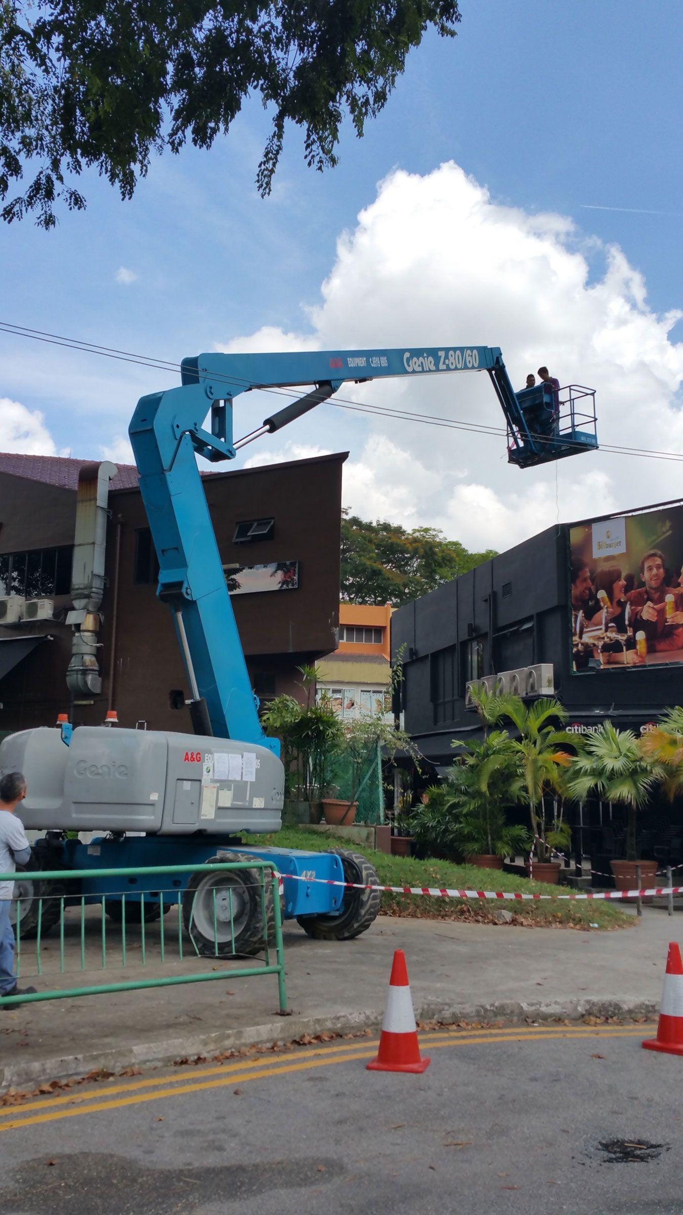 Aerial lift scissors lift singapore boom lift scissor