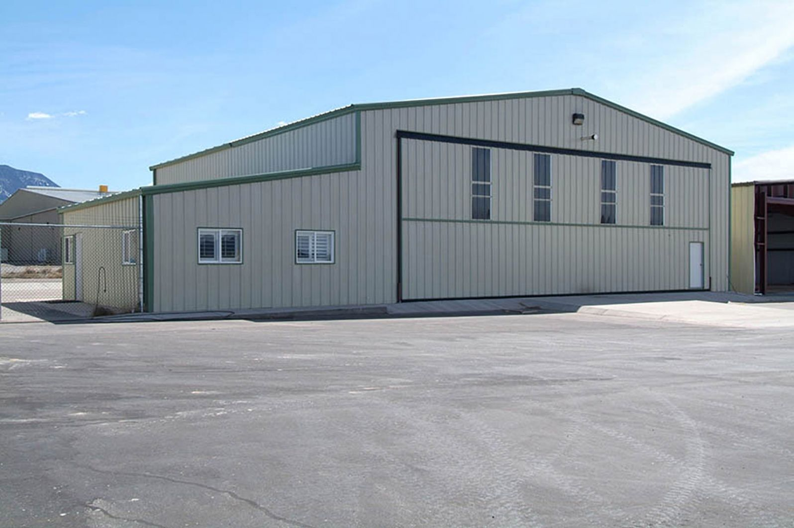 Aircraft Hangar Metal Buildings in 2020 Metal buildings